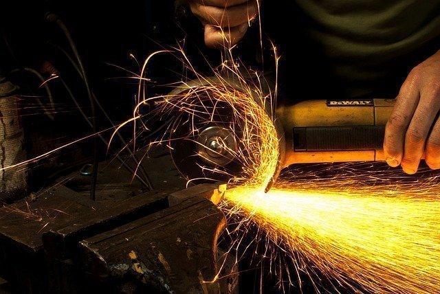 asportazione truciolo pericolosa- sicurezza lavoro - polvere metallo - stampa 3D