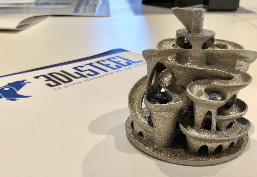 pezzo stampato con stampante 3d per acciai